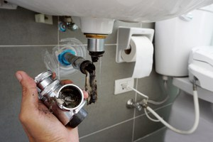 Maintaining garbage disposal