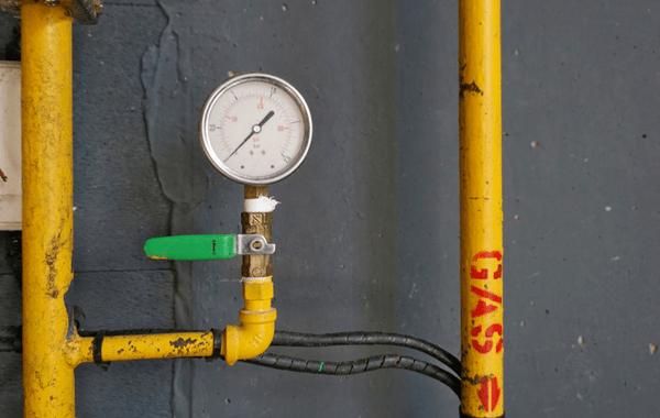Gas meter. How do gas leaks happen?